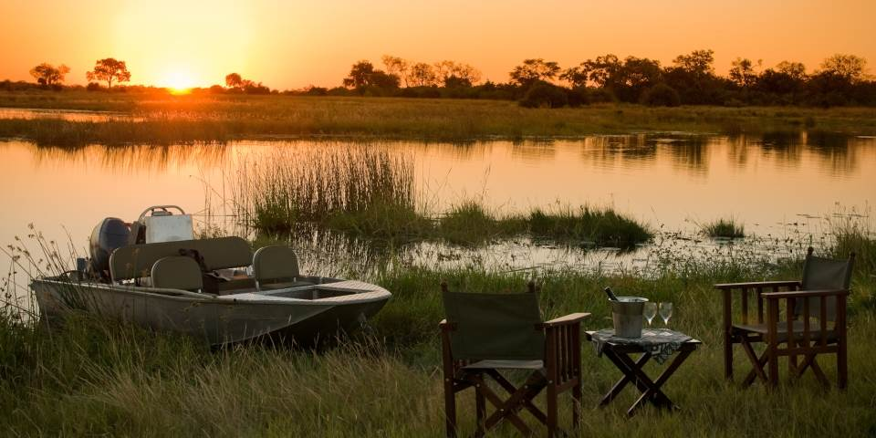 River side picnic from Selinda safari camp