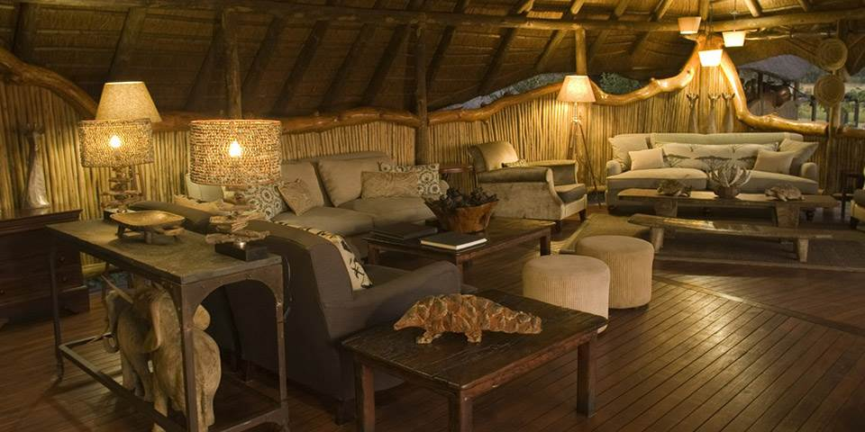 Luxuriously fitted lounge at Chitabe Camp