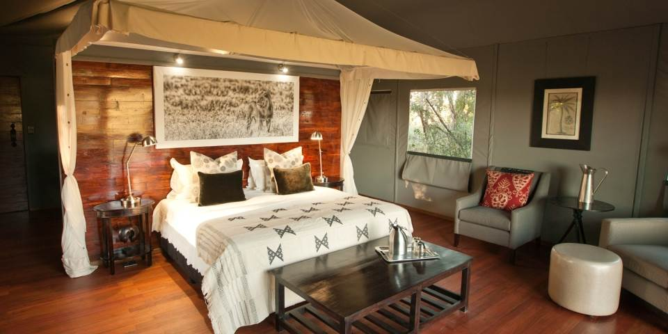 Luxury bedroom at Chitabe Lediba Safari Camp