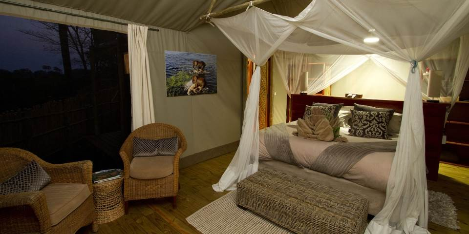 Luxury bedroom in Jacana safari camp