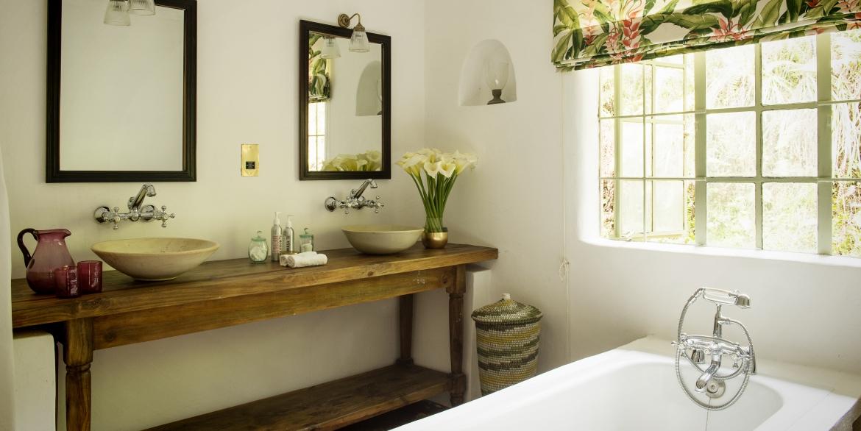 Sabyinyo Bathroom
